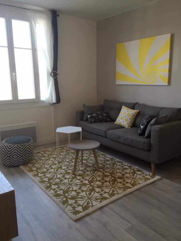 deco salon moderne gris et jaune