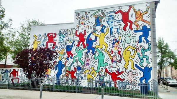 "Fresque murale ""We are the Youth"" par Keith Haring, Philadelphie – 1987"