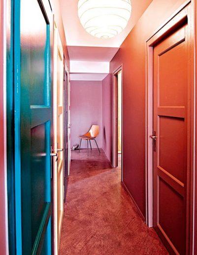 déco couloir bleu et rose