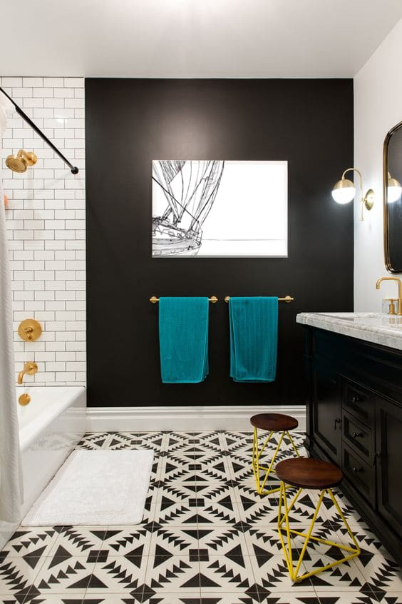 decoration salle de bain mur sombre